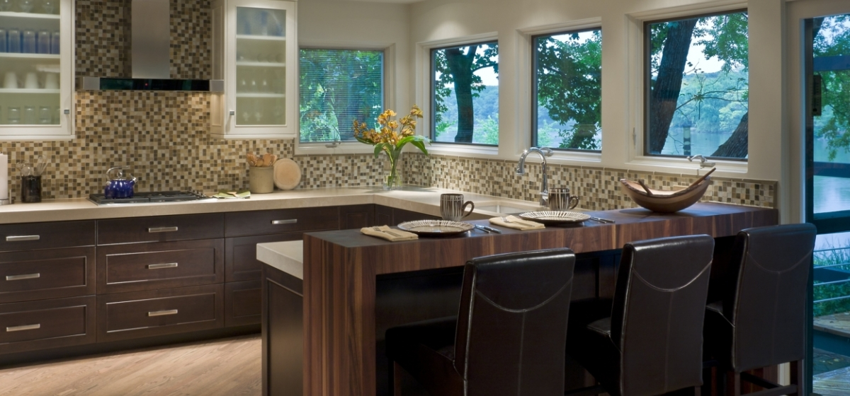 Two Toned Kitchens Fox River PB Kitchen Design Geneva Illinois e1489162074831